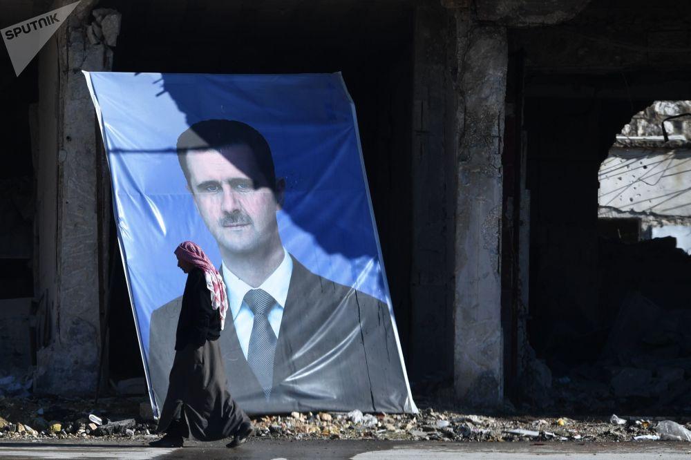 صورة رئيس الجمهورية العربية السورية بشار الأسد في ضواحي حلب