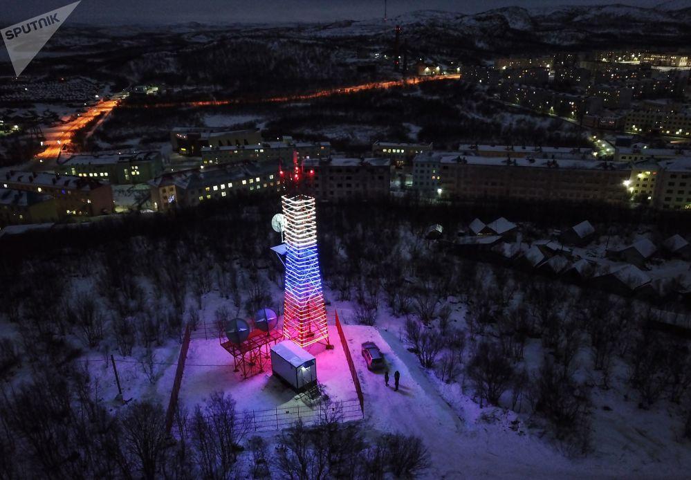 برج أورا في قرية فيديايفو، منطقة مورمانسك الروسية