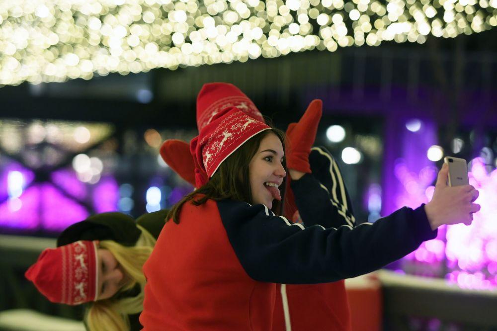 افتتاح حلبة تزلج في كرملين مدينة قازان الروسية