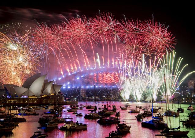 الألعاب النارية بمناسبة السنة الجديدة في سيدني، أستراليا