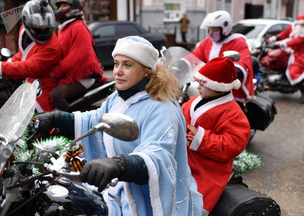 مسابقة بابا نويل في شبه جزيرة القرم الروسية