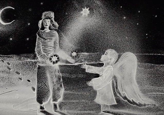 بالفيديو...الرسم بالثلج يجسد عيد الميلاد الشرقي