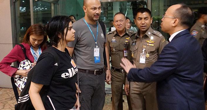 الفتاة السعودية الهارية إلى تايلاند رهف محمد القنون