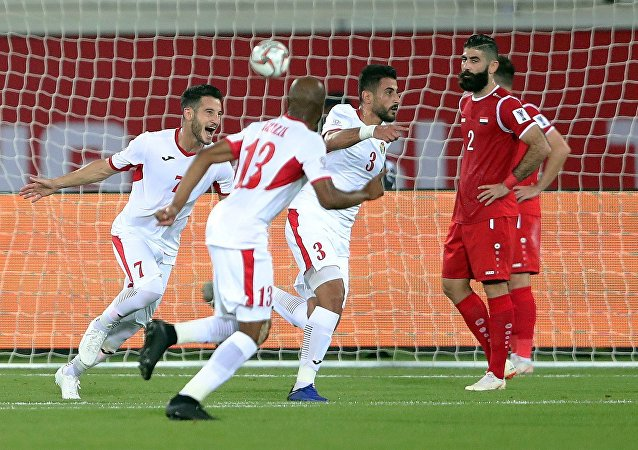المنتخب الأردني يلتقي مع المنتخب السوري في إطار بطولة كأس أمم آسيا 2019، في ملعب الشيخ خليفة، العين، الإمارات العربية المتحدة، 10 يناير / كانون الثاني 2019