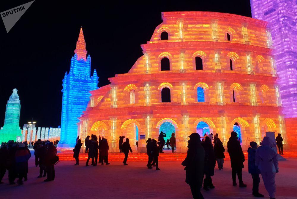 مهرجان الثلج والجليد الدولي في هاربن الصينية