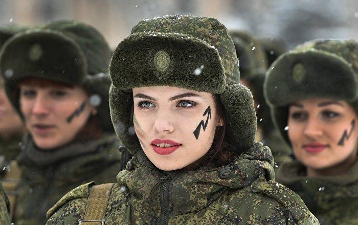 فريق نسائي روسي يشارك في