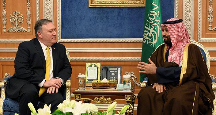 ولي العهد السعودي الأمير محمد بن سلمان يلتقي وزير الخارجية الأمريكي مايك بومبيو في الرياض