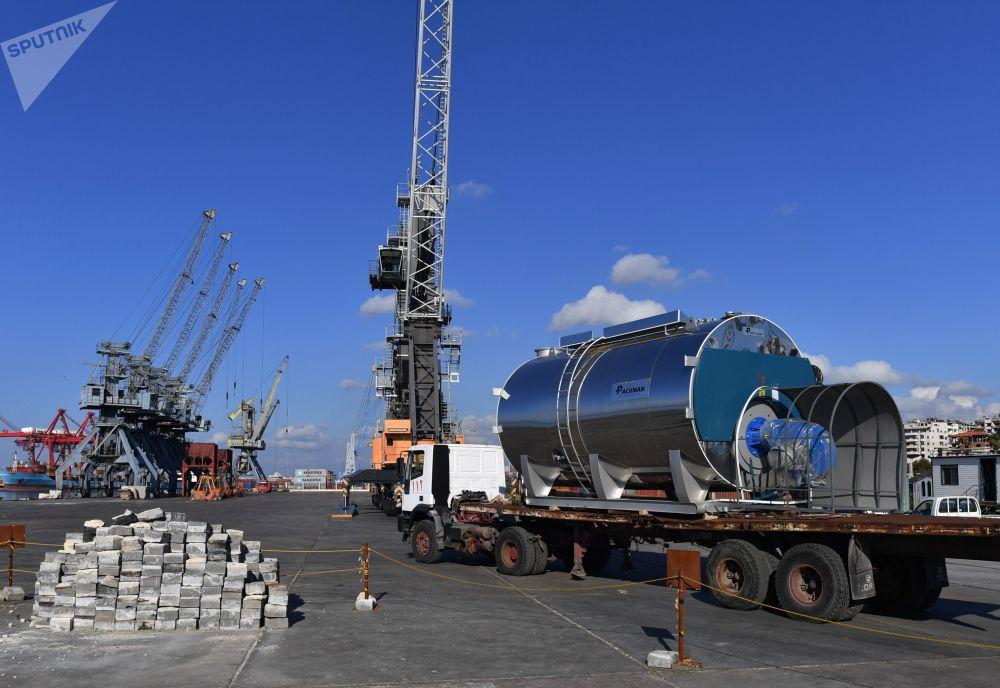 شحن البضائع من ميناء اللاذقية