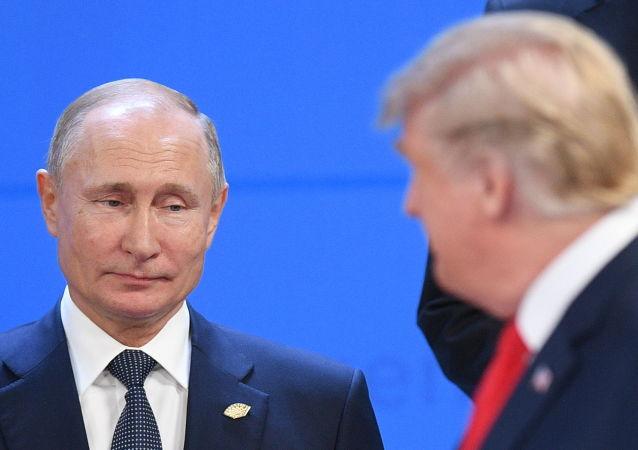 فلاديمير بوتين ودونالد ترامب