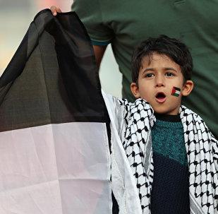 جماهير المنتخب الفلسطيني في إطار بطولة كأس أمم آسيا 2019، في ملعب محمد بن زايد، أبو ظبي، الإمارات العربية المتحدة، 15 يناير / كانون الثاني 2019