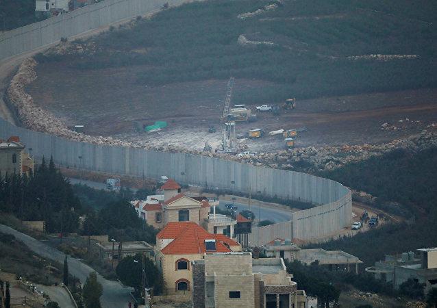 معدات حفر إسرائيلية بالقرب من الحدود مع لبنان