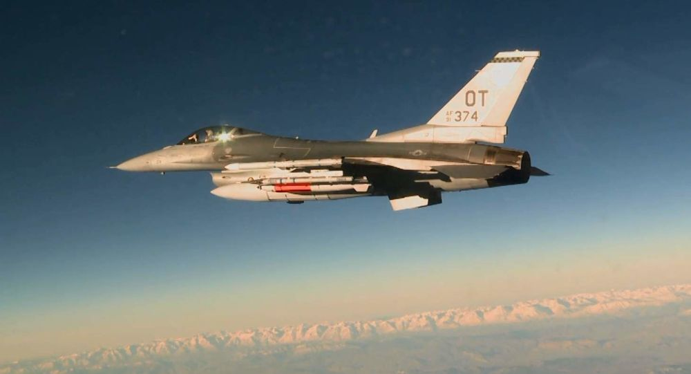 المقاتلة الأمريكية إف 16 سي
