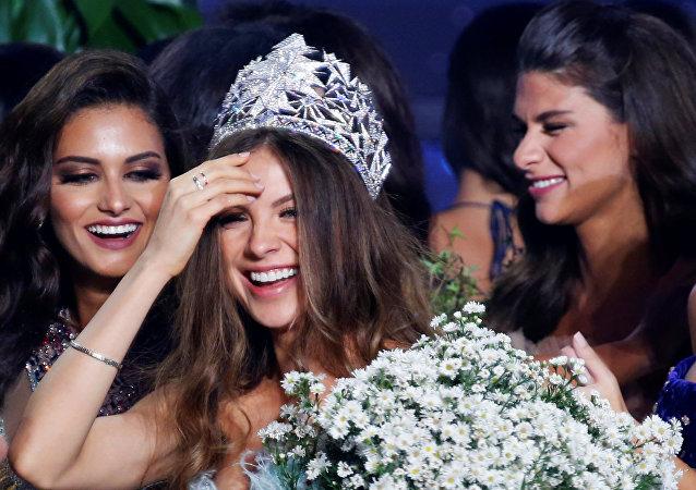 ملكة جمال لبنان مايا رعيدي