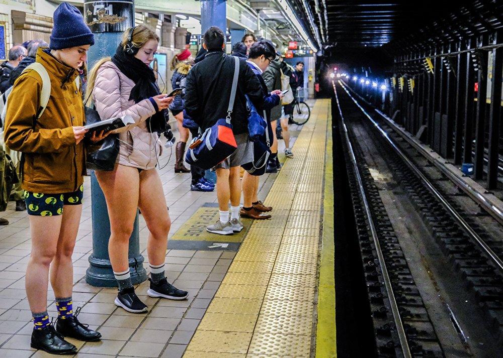 فعالية بدون سروال في مترو الأنفاق السنوية، نيويورك، الولايات المتحدة يناير/ كانون الثاني 2019