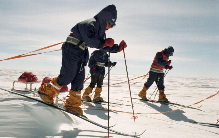 الطاقم النسائي المشارك في البعثة العلمية-الرياضية ميتيليتسا في أنتاركتيكا