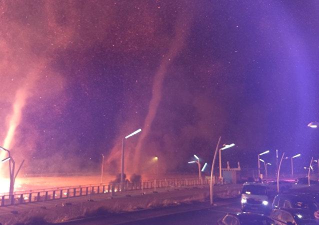 دوامات النار مع قرب السنة الجديدة في سخييفينينغن في لاهاي