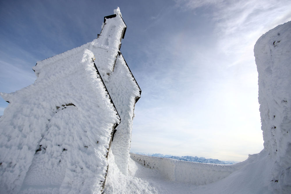 كنيسة ويندلشتاين مغطاة بالثلج، تقع علىارتفاع 1838 مترا بالقرب من بايريشيل، ألمانيا 23 يناير/ كانون الثاني 2019
