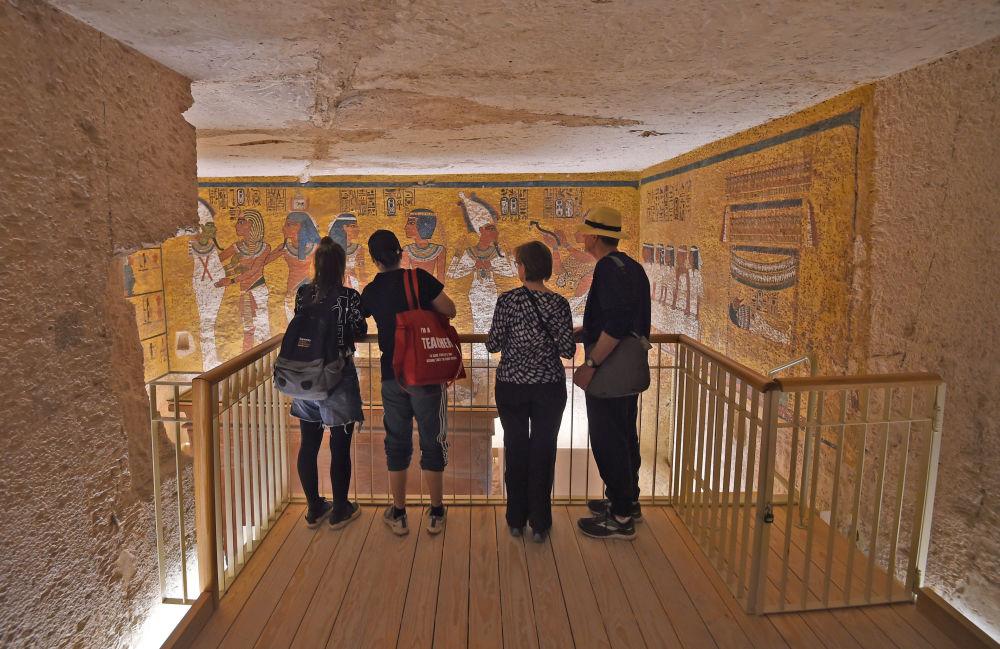 الانتهاء من ترميم مقبرة، تابوت، الفرعون، توت عنخ آمون، الأقصر، مصر 31 يناير/ كانون الثاني 2019