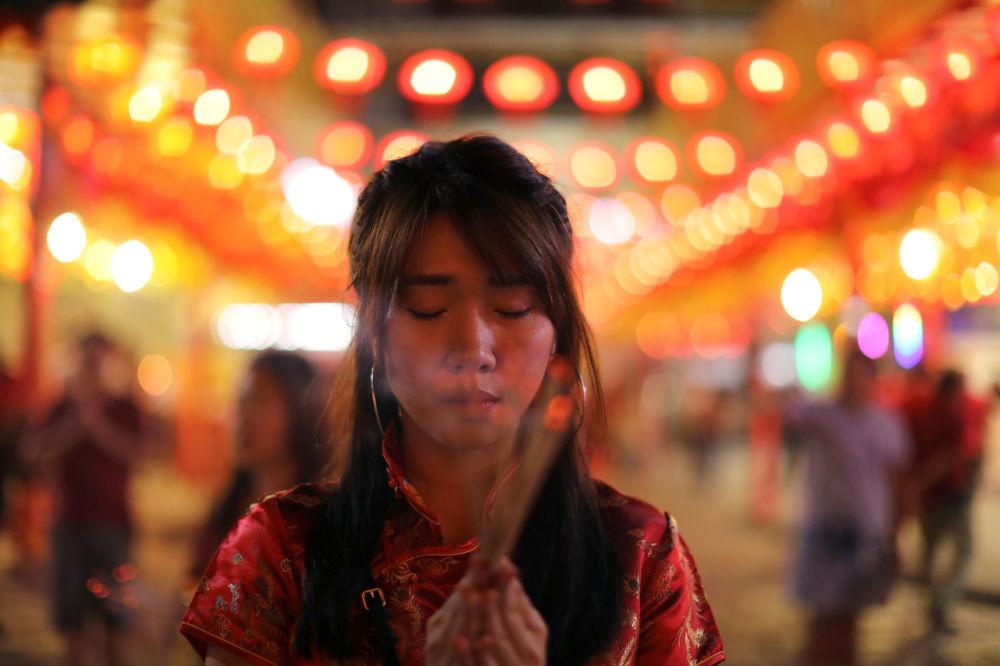 الاحتفال برأس السنة القمرية الصينية الجديدة في معبد في بانكوك، تايلاند 4 فبراير/ شباط 2019
