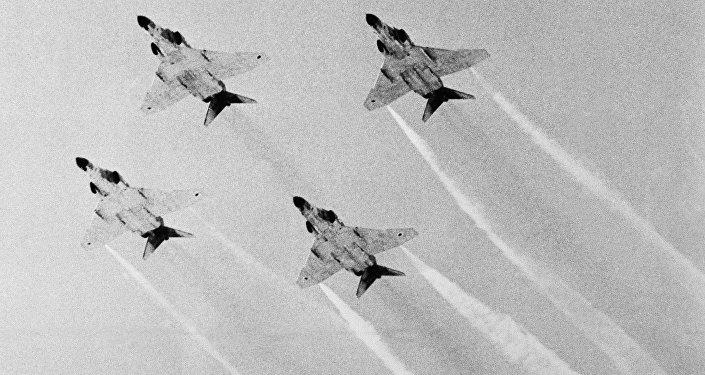 قاذفات قنابل من طراز فانتوم تابعة للقوات الجوية الإسرائيلية، خلال عرض عسكري.20 يوليو/ تموز عام 1971