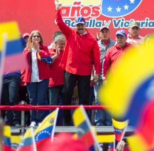 الرئيس الفنزويلي نيكولاس مادورو يلقي خطابا أمام أنصاره في كاراكاس، فنزويلا فبراير/ شباط 2019
