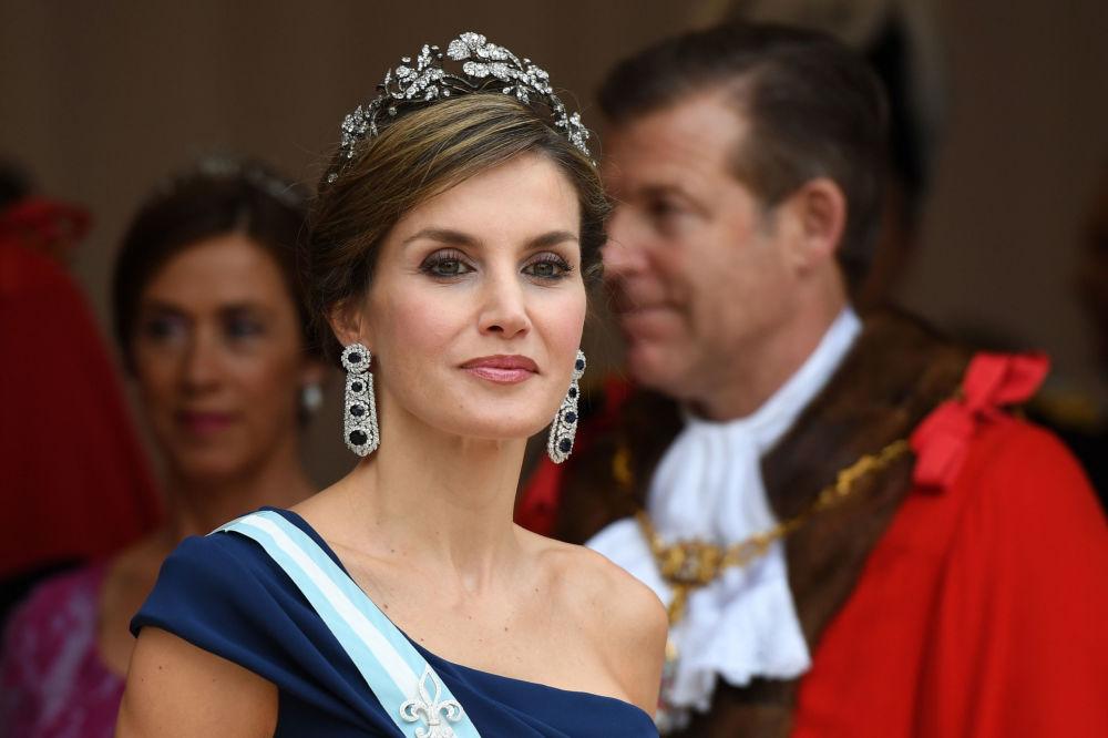 الملكة ليتيزيا، ملكة إسبانيا، أثناء حضورها لمأدبة بمناسبة وصولها بريطانيا في غيلدهال وسط لندن، إنجلترا 13 يوليو/ تموز 2017