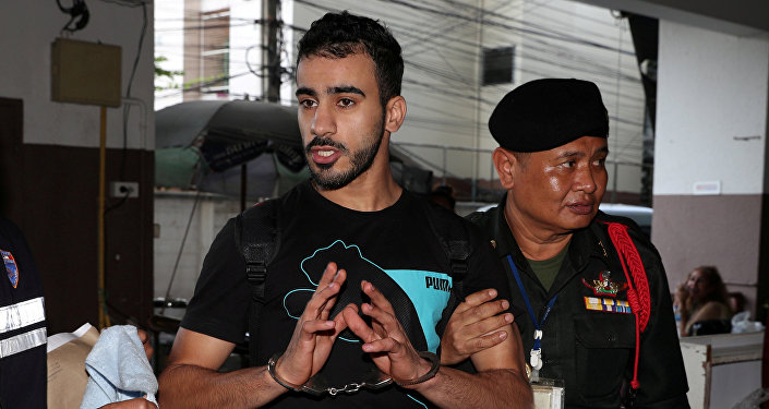 لاعب الكرة البحريني حكيم العريبي، أثناء اعتقاله في تايلاند