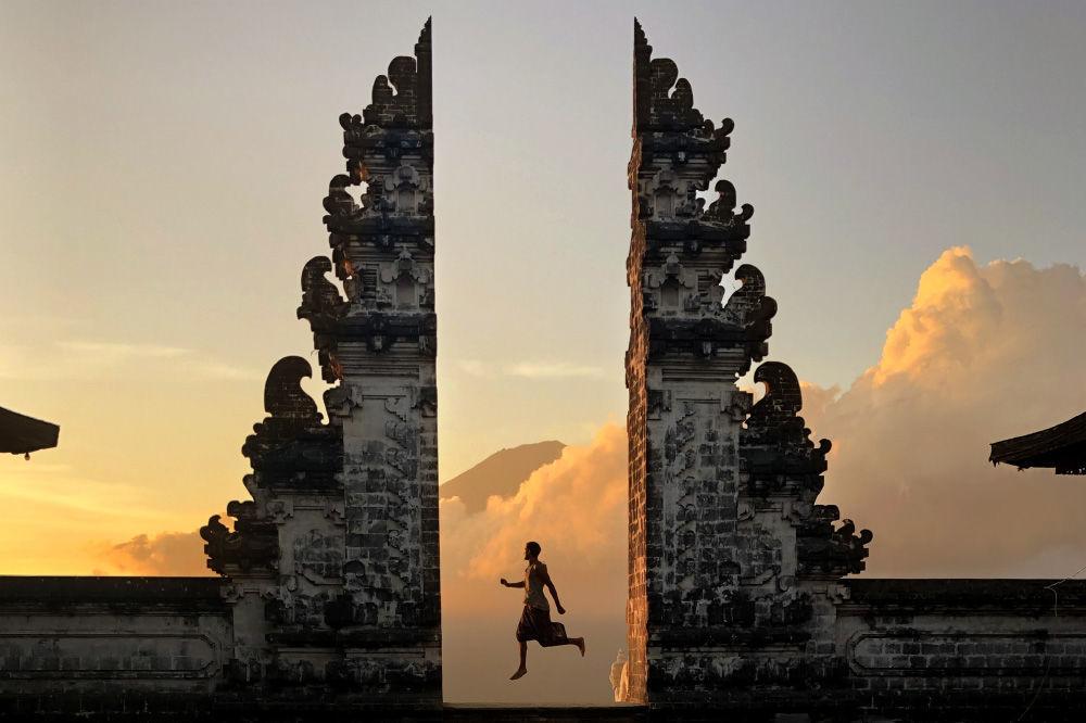 معبد بورا بيناتاران أغونغ ليمبوانغ، بالي، إندونيسيا