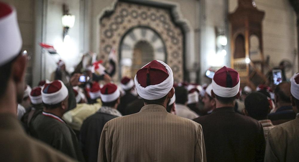 الوزراء المصري يعلن مواعيد فتح دور العبادة هذا الأسبوع… فيديو