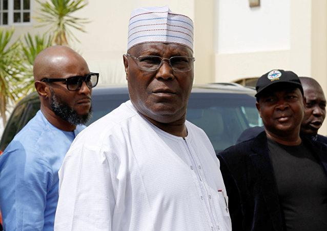مرشح المعارضة النيجيرية للرئاسة عتيق أبو بكر بعد تأجيل الانتخابات