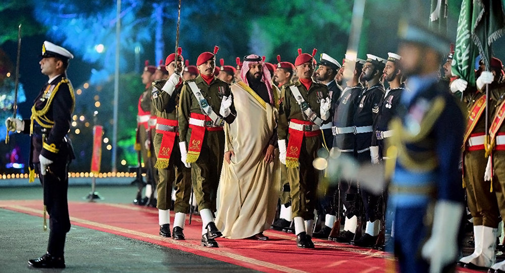 ولي العهد السعودي الأمير محمد بن سلمان أثناء زيارته إلى باكستان