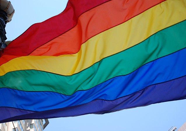 علم مثلي الجنس
