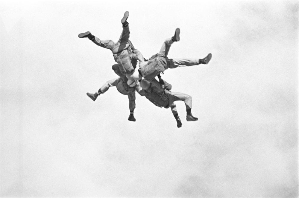 تدريبات القوات المسلحة السوفيتية للإنزال الجوي، عام 1965