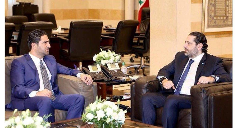 وزير الدولة اللبناني لشؤون اللاجئين صالح الغريب مع رئيس الحكومة اللبنانية سعد الحريري