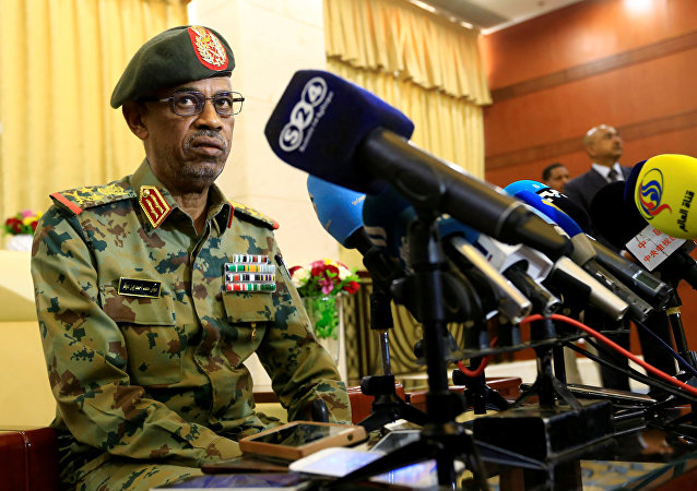 وزير الدفاع السوداني ونائب الرئيس عوض بن عوض