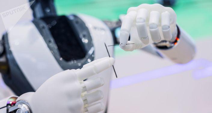 تهدد صناعة الطائرات والهواتف الذكية… وكالة تحذر من خطر استخدام الروبوتات