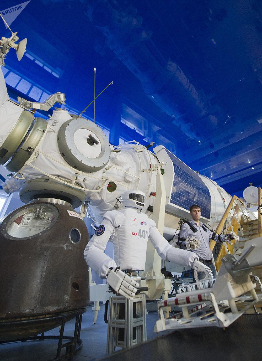 نموذج محطة الفضاء مير