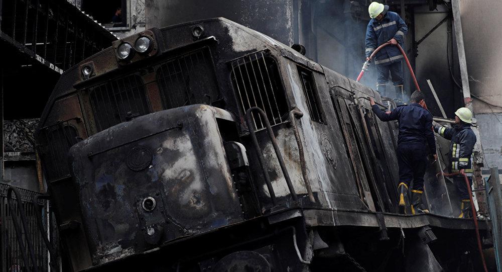 قطار محطة مصر المحترق