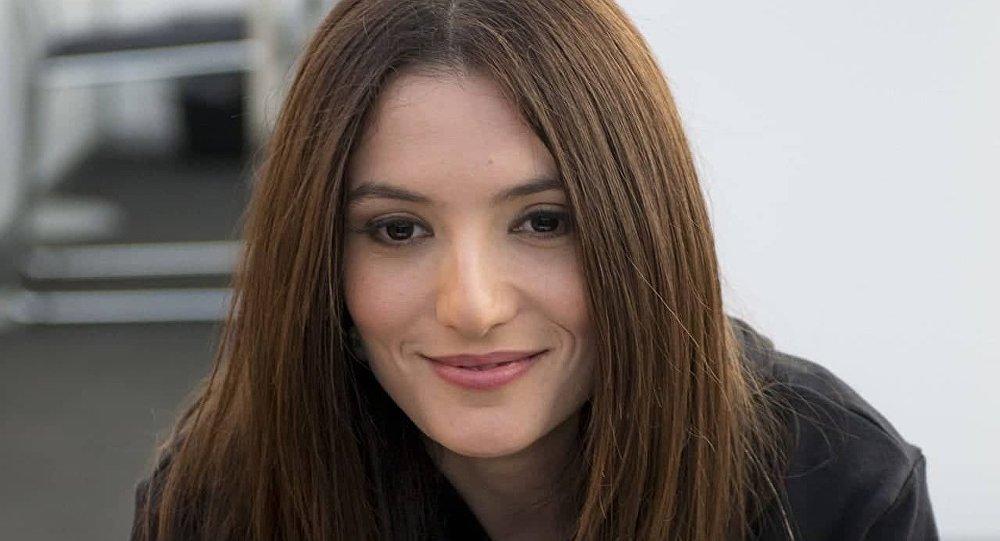 المطربة ديلارا كازيموفا من أذربيجان