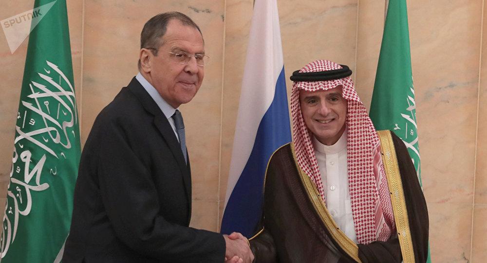 وزير الدولة للشؤون الخارجية السعودية عادل الجبير يستقبل وزير الخارجية الروسي الروسي سيرغي لافروف