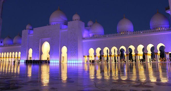 جامع الشيخ زايد الكبير في أبو ظبي