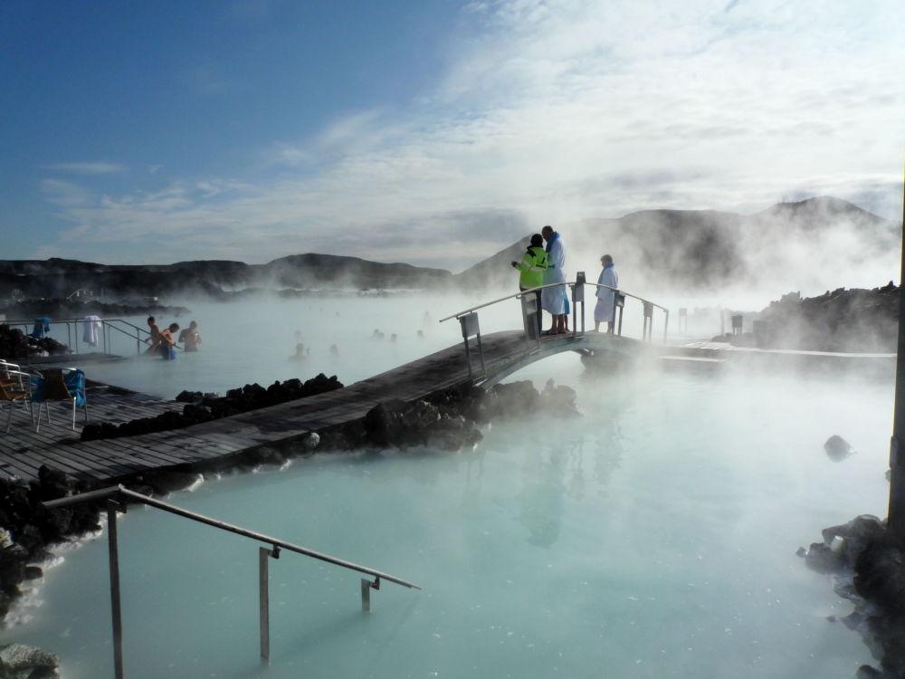 البحيرة الزرقاء في أيسلندا