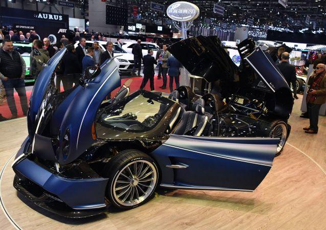 معرض جنيف الدولي للسيارات لعام 2019 - عرض سيارة Pagani Huayra