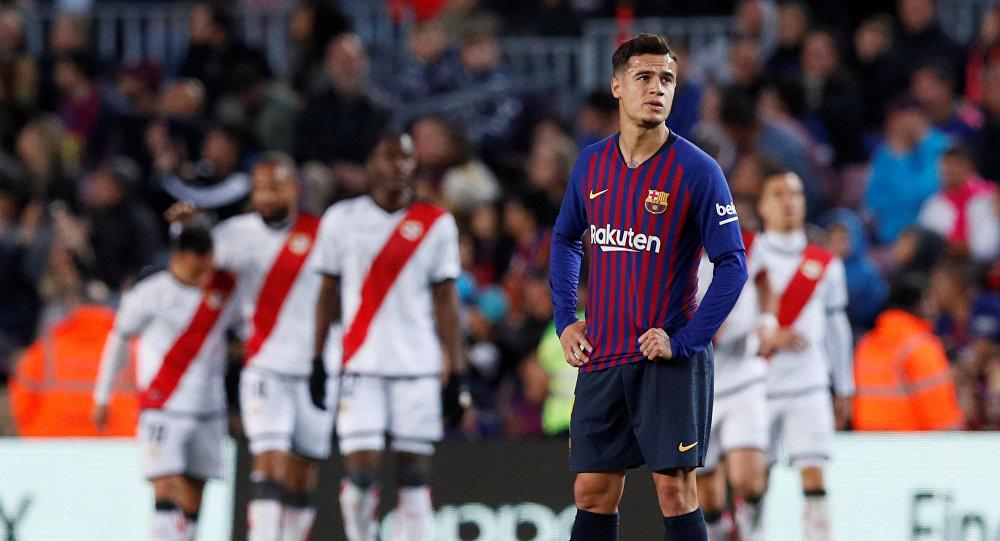 فيليب كوتينيو خلال مباراة برشلونة وايو فاليكانو