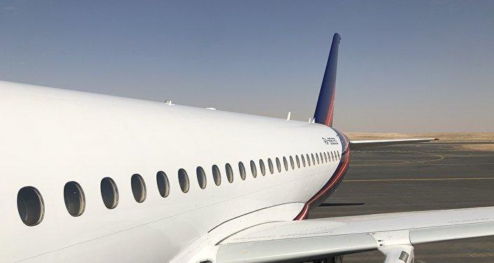طائرة روسية في معرض السعودية الدولي الأول للطيران