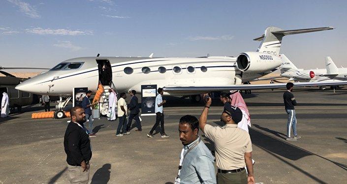 طائرة أمريكية في معرض السعودية الدولي الأول للطيران