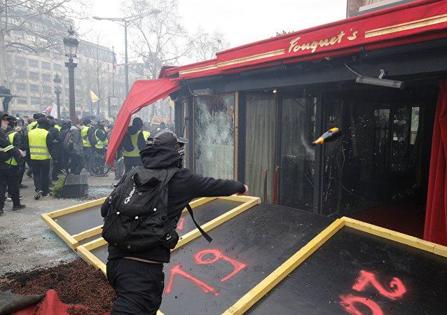 أعمال الشغب في باريس