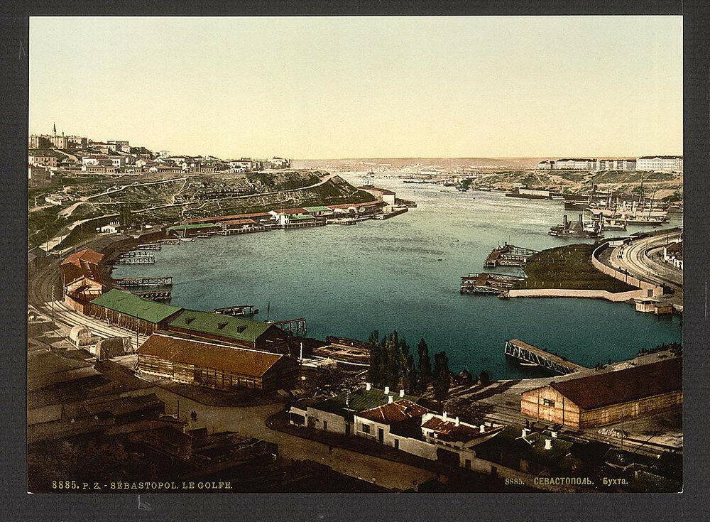 مشهد يطل على مدينة سيفاستوبل، شبه جزيرة القرم