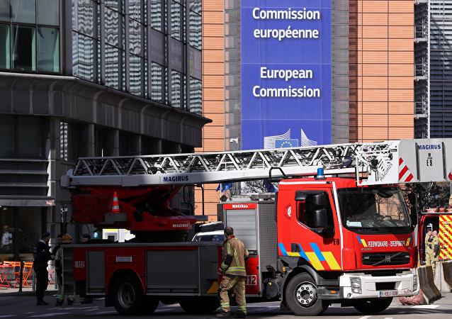 تفتيش المنطقة المحيطة بالمفوضية الأوروبية في بروكسيل
