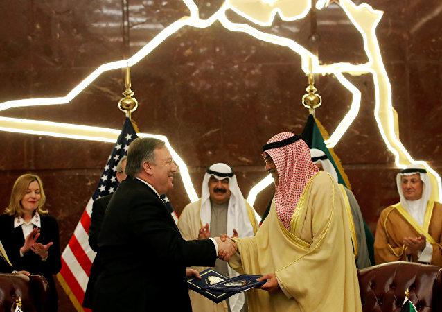 وزير الخارجية الكويتي صباح خالد الحمد الصباح، مع نظيره الأمريكي مايك بومبيو في الكويت